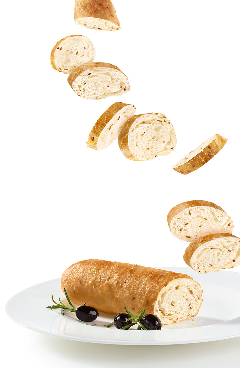 Sabine-Scheer-food-photography-baguette-olives-leinsamen