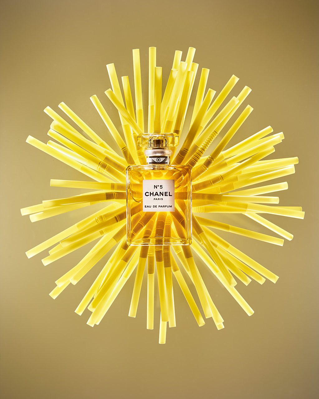 Sabine-Scheer-productphotography-scent-editorial-straws-yellow